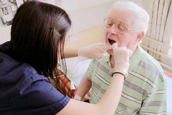 Что делать, если не можешь посетить зубного
