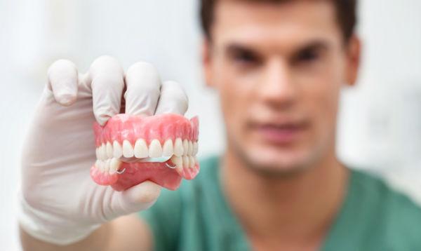 протезирование зубов на Войковской