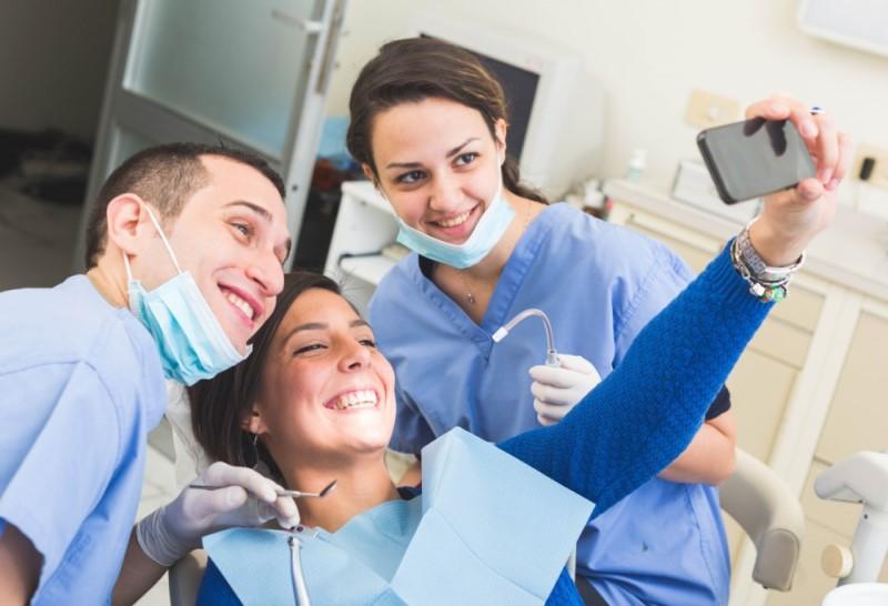 где лечат зубы в европе